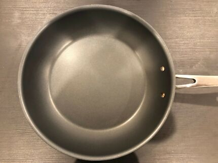 Cuisinart 30cm frypan in great condition