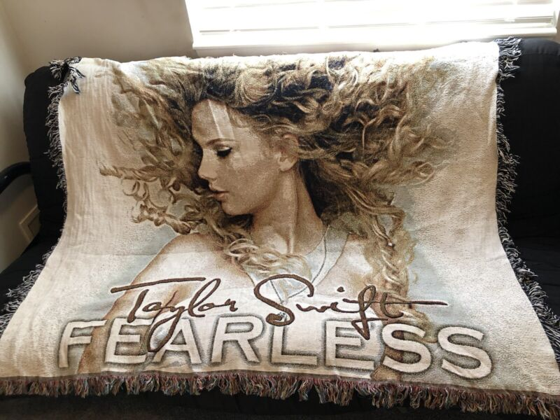 """TAYLOR SWIFT FEARLESS KNIT WOVEN THROW BLANKET TAPESTRY 50"""" X 60"""""""