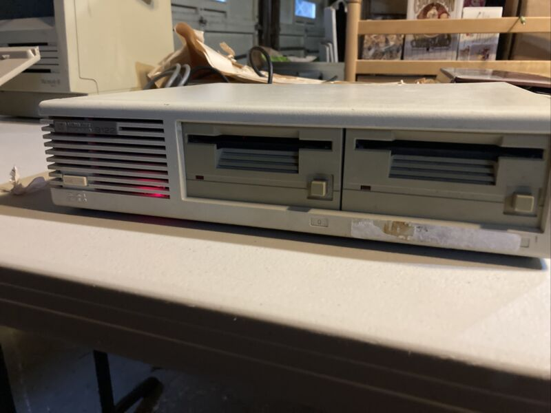 "HP 9122D Dual 3.5"" Floppy Drive HP-IB Interface"