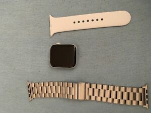 Apple Watch Series 4 44MM Cellular - Silver/White