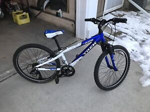"""Trek 24"""" bike for ages 8-11. Tuned up and ready!"""