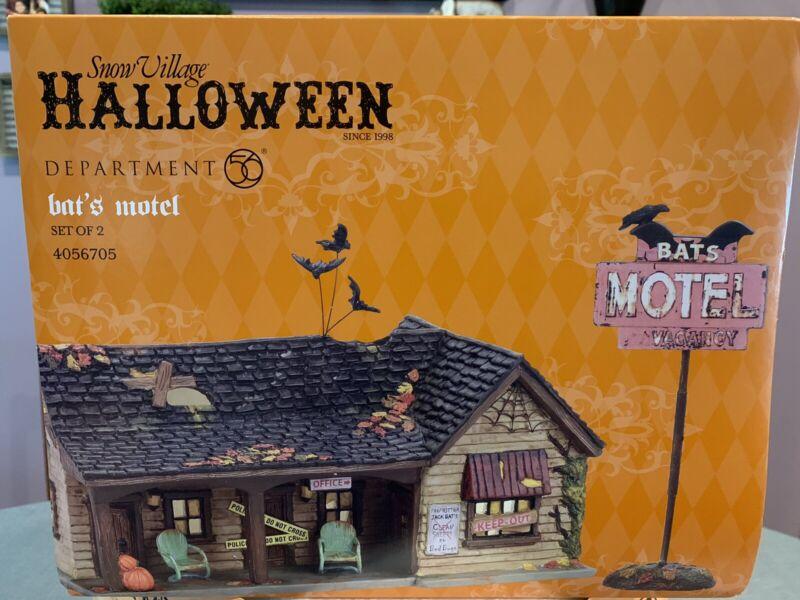 Department 56 Snow Village Halloween NIB Bat's Motel. RETIRED VHTF