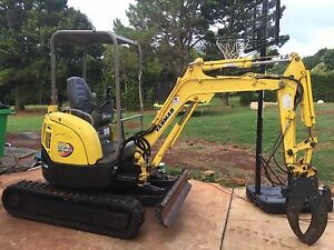 Yanmar excavator with hydraulic grab and buckets Tamborine Mountain Ipswich South Preview