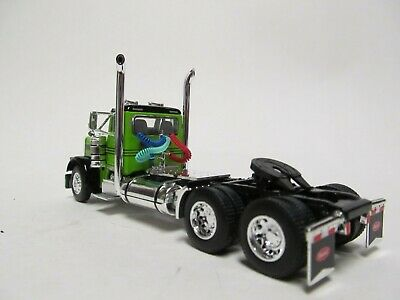 DCP 1/64 SCALE 379 PETERBILT DAY CAB LIME GREEN & BLACK  DUAL CHROME STACKS 4