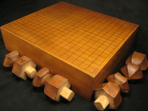 JAPANESE ANTIQUE THICK KAYA WOOD GO GAME BOARD GOBAN CARVED WOOD LEGS