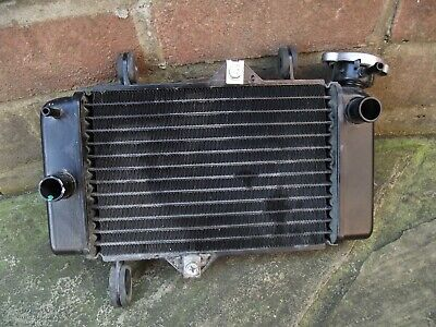 <em>YAMAHA</em> MT125 2016 ORIGINAL ENGINE COOLING RADIATOR NO LEAKS