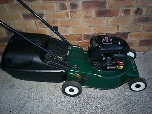 BRIGGS STRATTON 4 STROKE,VICTA SERVICED,LAWN MOWER.CATCHER! Runcorn Brisbane South West Preview