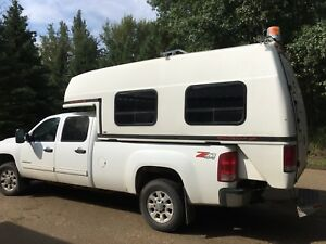 2012 GMC 3500 HD Duramax Crew Cab Long Box 4X4 with SpaceKap
