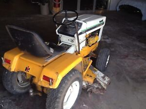 Gros tracteur gazon série jardin international cub cadet