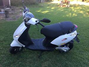 2012 Piaggio Zip 50 - Unregistered. Not running - Service Needed Norman Park Brisbane South East Preview