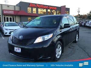 2017 Toyota Sienna w/back up cam, alloys