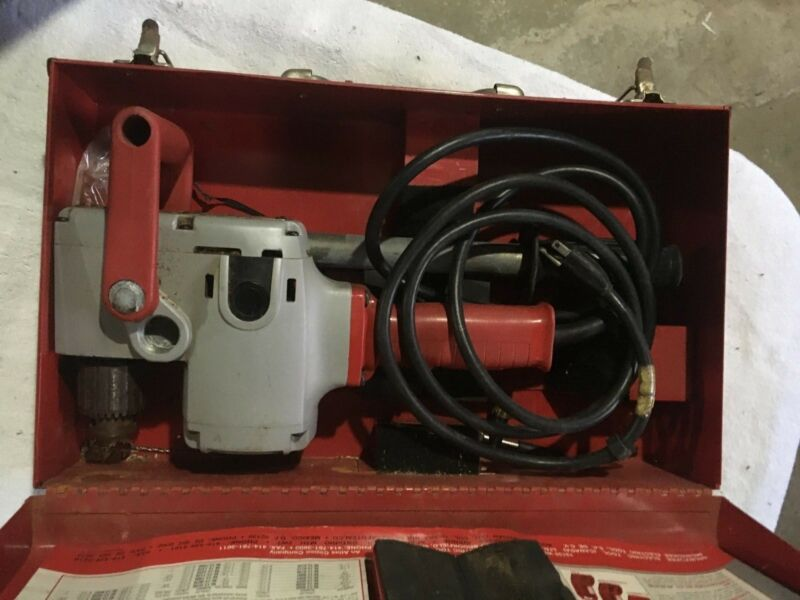 "Milwaukee Heavy-Duty ""Hole-Hawg"" Right Angle Drill W/Metal Case~No.1676-1 USA"