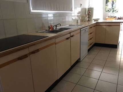 Kitchen, incl sink, oven & hotplates