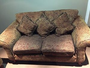 Couch set all 3 pieces Plus coffee table set