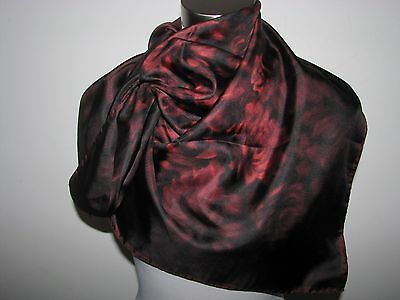 """NWT AUTHENTIC VALENTINO 100% SILK 34""""X34"""" FLORAL SCARF made in Italy"""