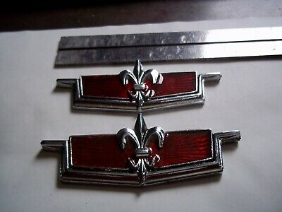 1970-1988 Caprice Classic Quarter Panel Emblem Set SET RED