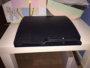 PS3 slim 500 gb ( négociable )