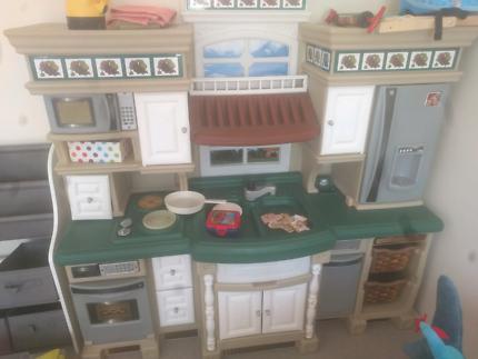 kids kitchen play toy set toys indoor gumtree australia rh gumtree com au Play Kitchen Step 2 Lifestyle step2 best chef kitchen playset