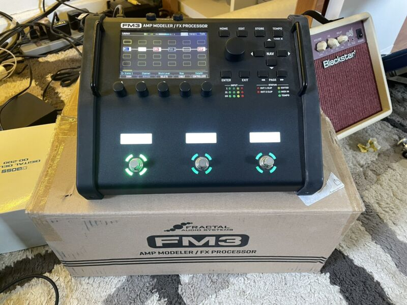 Fractal Audio Systems FM3 | Open Box First Edition WITHOUT HEADPHONE JACK
