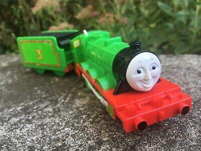 Thomas & Friends Trackmaster 2002 TOMY Henry motorized train engine, tender