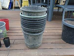 250mm x 10 used garden plastic plant pots, $15 for the lot Thornleigh Hornsby Area Preview