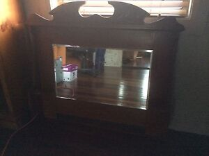 Antique mantle mirror East Branxton Cessnock Area Preview