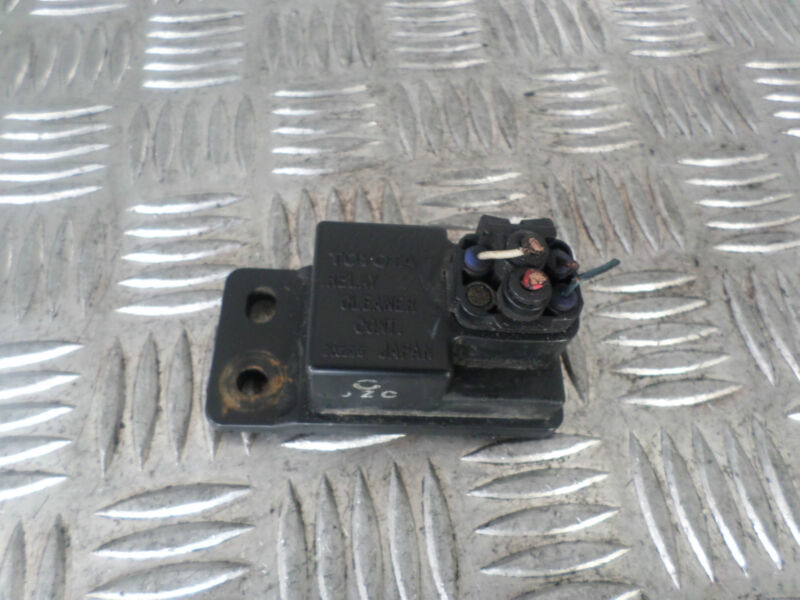2002 LEXUS LS430 HEADLIGHT WASHER CONTROL RELAY CLEANER CONT 85942-30010