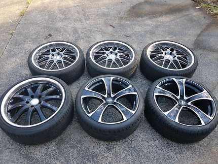 Holden Commodore 20inch wheels