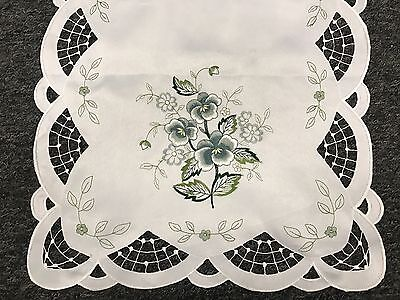Lace Table Runners Wedding (Embroidered Lace Cutwork Tablecloth Table Placemat Runner Scarf Wedding)