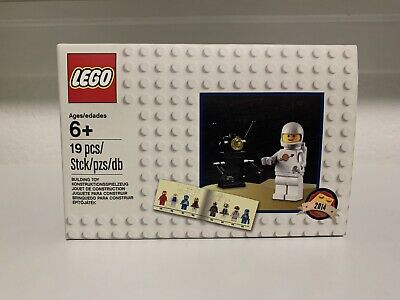 LEGO 5002812 New Retro Classic Space Set - Limited Set from 2014, Mint, SEALED