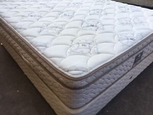 FREE DELIVERY SEALY QUEEN MATTRESS AND BASE IN EXCELLENT CONDITION