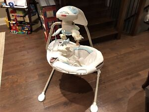 Fisher Price Cradle 'n Swing - My Little Lamb