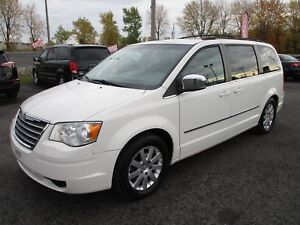 2010 Chrysler Town & Country TOURING Touring