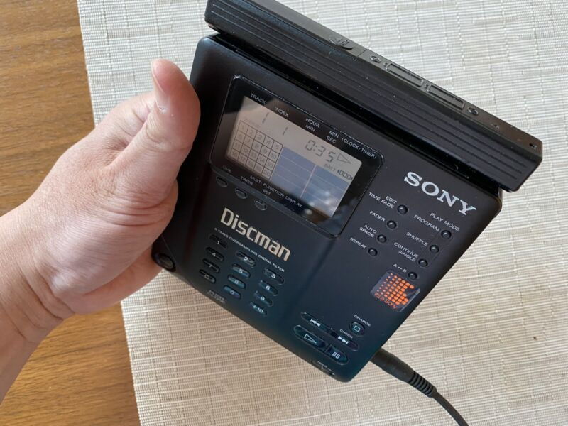 SONY DISCMAN D-35 Audiophile (Free Shipping)