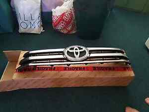 2016 sr5 Toyota Hilux front grill Andrews Farm Playford Area Preview