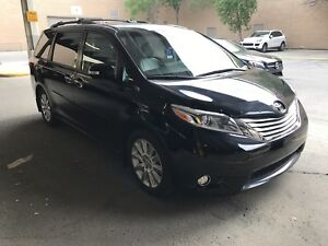 2015 Toyota Sienna limited very low mileage