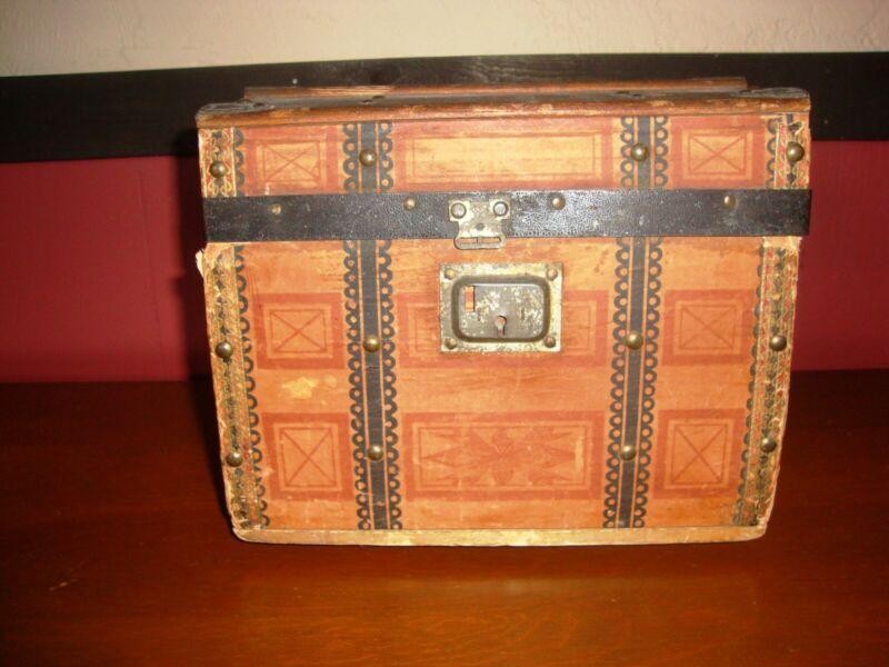Antique Salesman Sample Wooden Hump Back Trunk