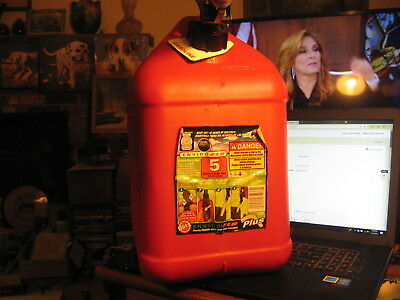 Blitz 5 Gallon Red Gas Fuel Can Plastic Enviro Flo Plus Extension Tube