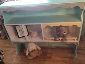 Kids height shelf