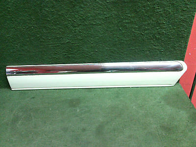 1995 - 2002 Cadillac Eldorado Rear 1/4 panel behind door molding 3541280 OEM
