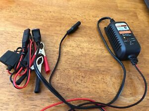 Motopower Battery Charger/Maintainer 800