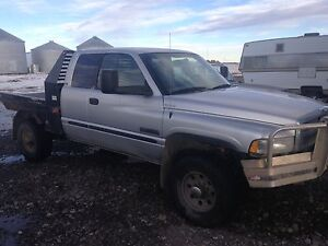 Parting out 2002 dodge cummins 5 spd 4x4