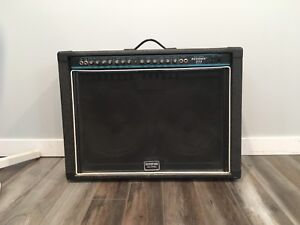 LOUD guitar amp. Peavey Renown 212