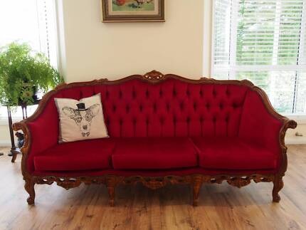 VINTAGE FRENCH LOUIS STYLE CHESTERFIELD RED LOUNGE/SOFA/ARMCHAIR