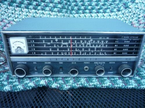 Lafayette 4  Band Shortwave Radio Receiver he-40 in working condition vintage