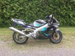 2001 Kawasaki Ninja ZX9E