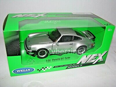 Porsche 911 Turbo 1:24 Scale Welly Silver Diecast Model Car 24043W NEW IN BOX