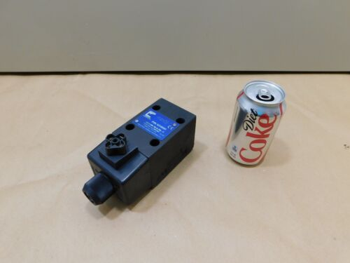 NEW Continental Hydraulics Solenoid Operated Directional Control Valve VSDO5M