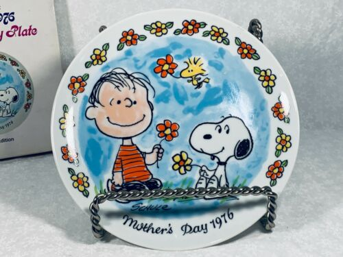 """Schmid Peanuts Mothers Day Plate 1976, """"Linus & Snoopy"""", EXCELLENT in Box"""