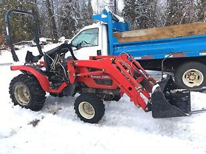 Branson Compact 24hp 4x4 Tractor